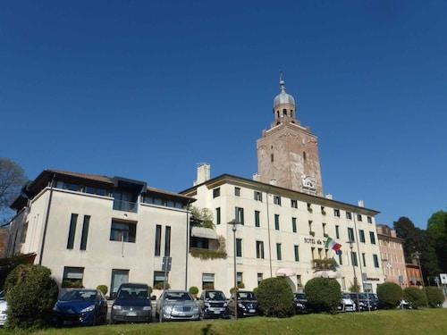 Hotels Near Vitivinicola Manera In Castelfranco Veneto From