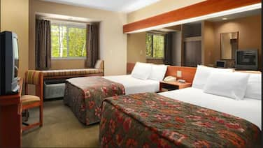 Parry Sound Inn & Suites