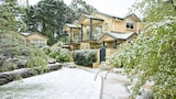 Falls Mountain Retreat - Wentworth Falls Hotels