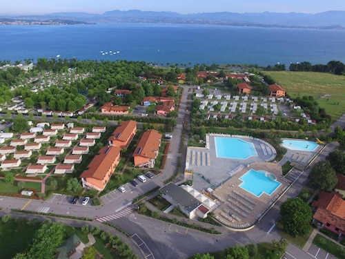 The Garda Village - Near Spiaggia Brema