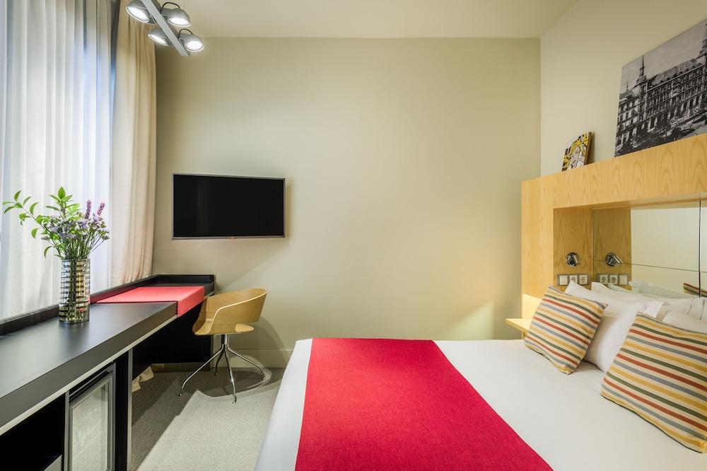 Hotel Room Mate Madrid Plaza Santa Ana