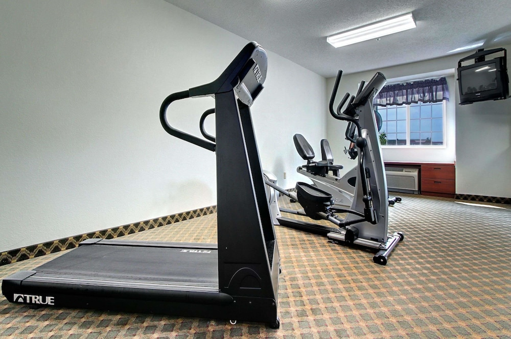 Fitness Facility, Microtel Inn & Suites by Wyndham Bridgeport