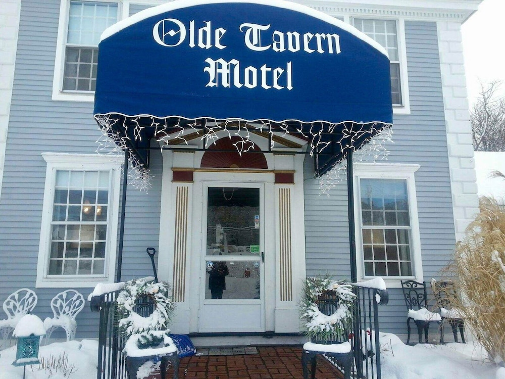 Front of Property, Olde Tavern Motel And Inn