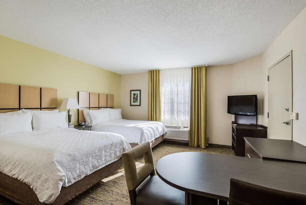 Room, Candlewood Suites Virginia Beach Town Center, an IHG Hotel