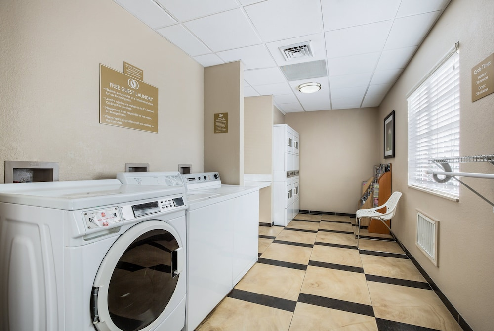 Laundry Room, Candlewood Suites Virginia Beach Town Center, an IHG Hotel