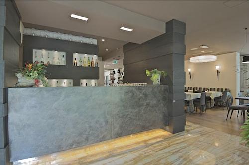Arredamento Zen On Line : Zen hotel versilia pietrasanta hotelbewertungen expedia