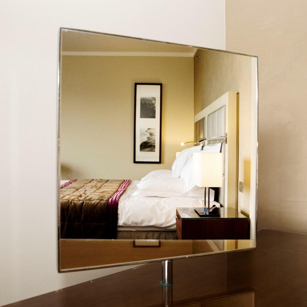 Salle De Bain Couloir Plan ~ Hilton Evian Les Bains Reviews Photos Rates Ebookers Com