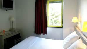 In-room safe, iron/ironing board, free WiFi, wheelchair access