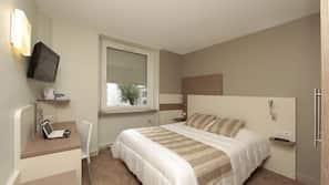 窗簾、隔音、免費嬰兒床、免費摺床/加床