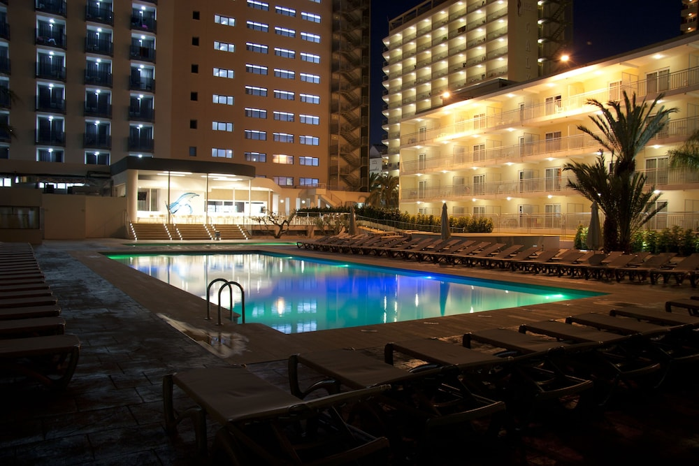 Outdoor Pool, Flash Hotel