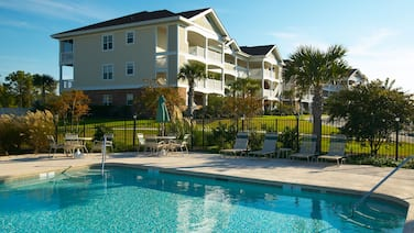 Barefoot Resort & Yacht Club