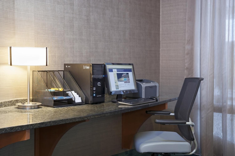 Business Center, SpringHill Suites Grand Rapids Airport Southeast