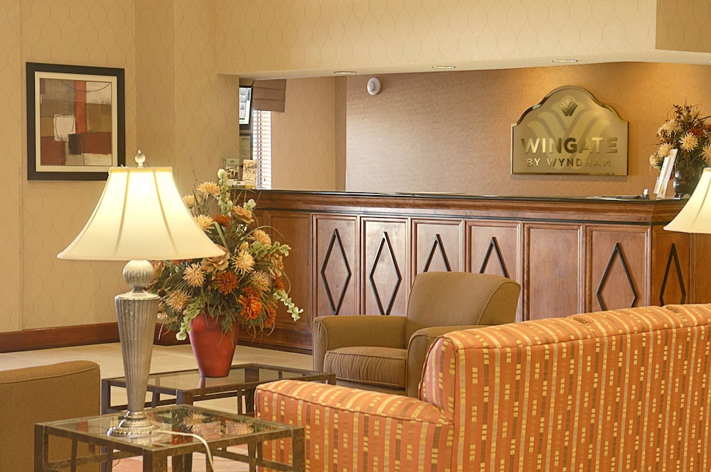 Lobby, Wingate by Wyndham Warner Robins