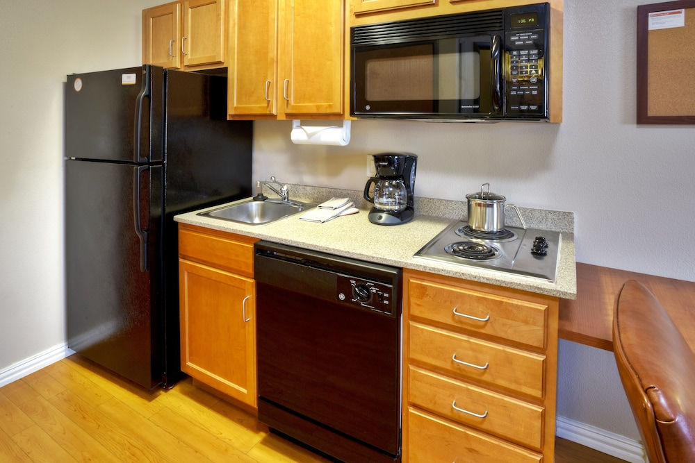 Private Kitchen, Candlewood Suites Killeen - Fort Hood Area, an IHG Hotel