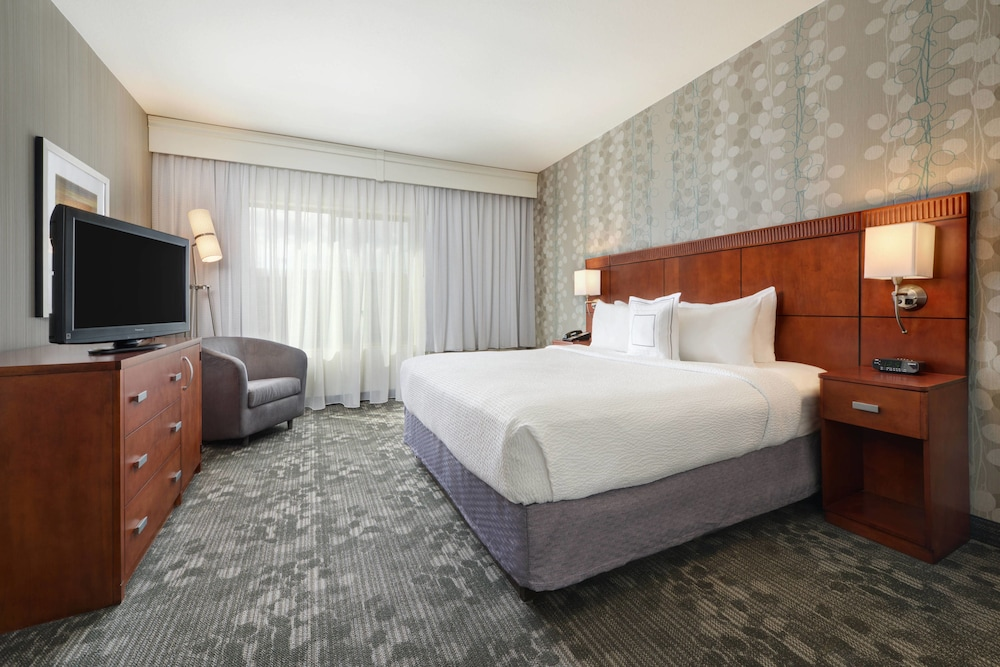 Room, Courtyard by Marriott Grand Junction