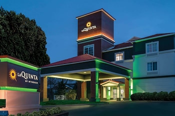 La Quinta Inn & Suites by Wyndham Latham Albany Airport