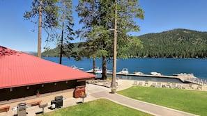 Private beach, water skiing, kayaking, motor boating