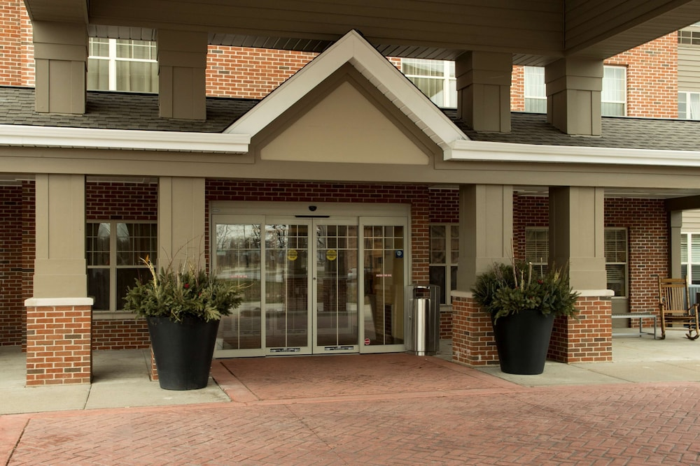 Property Entrance, Country Inn & Suites by Radisson, Green Bay East, WI