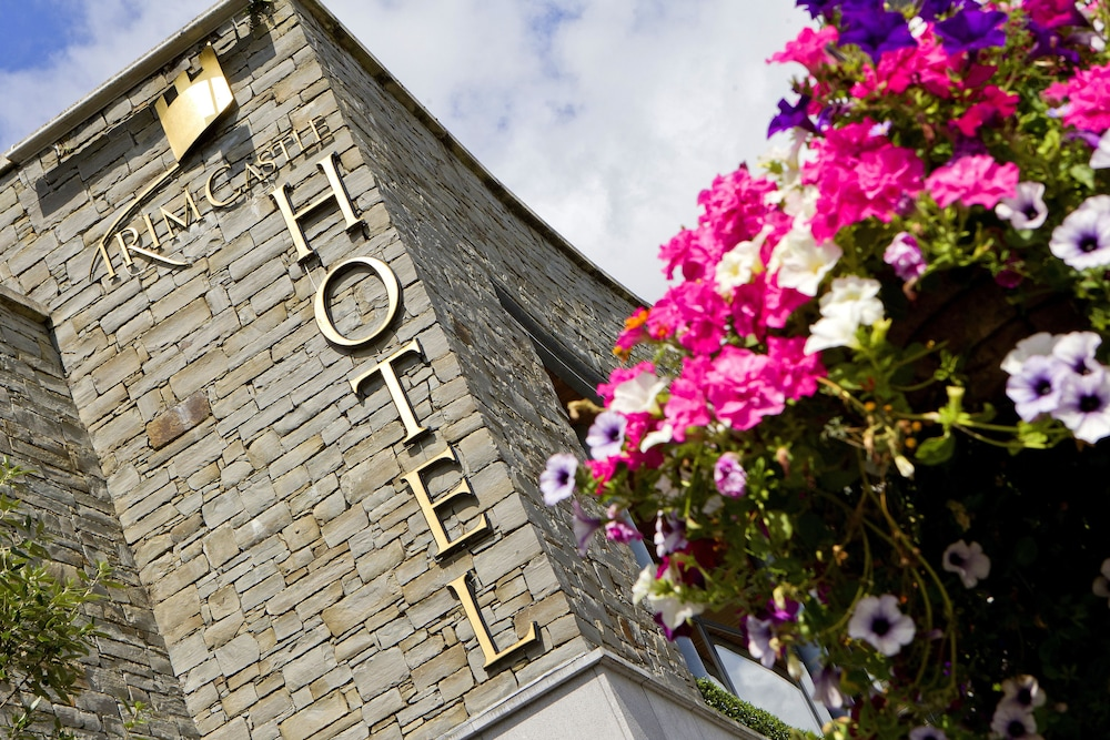 Front of Property, Trim Castle Hotel