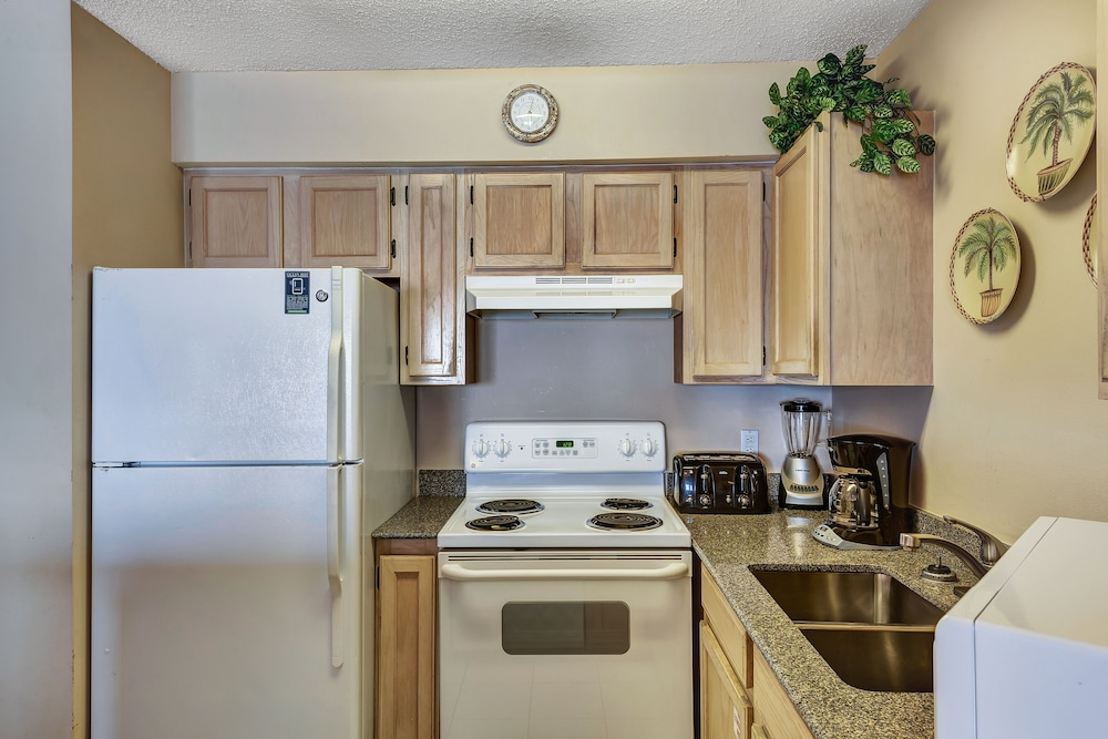 Private Kitchen, Crystal Sands Condominiums