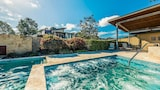 Grand Mercure Apartments The Vintage Hunter Valley - Pokolbin Hotels