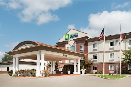 Great Place to stay Holiday Inn Express Warrenton near Warrenton