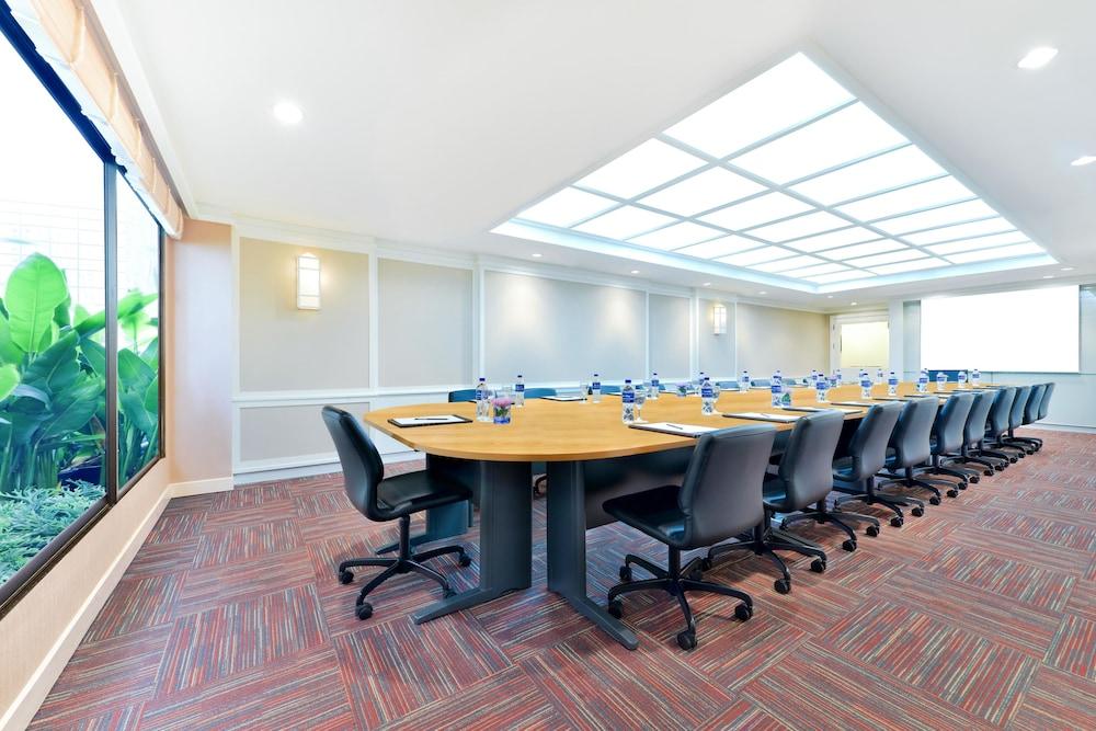 Meeting Facility, Centre Point Pratunam