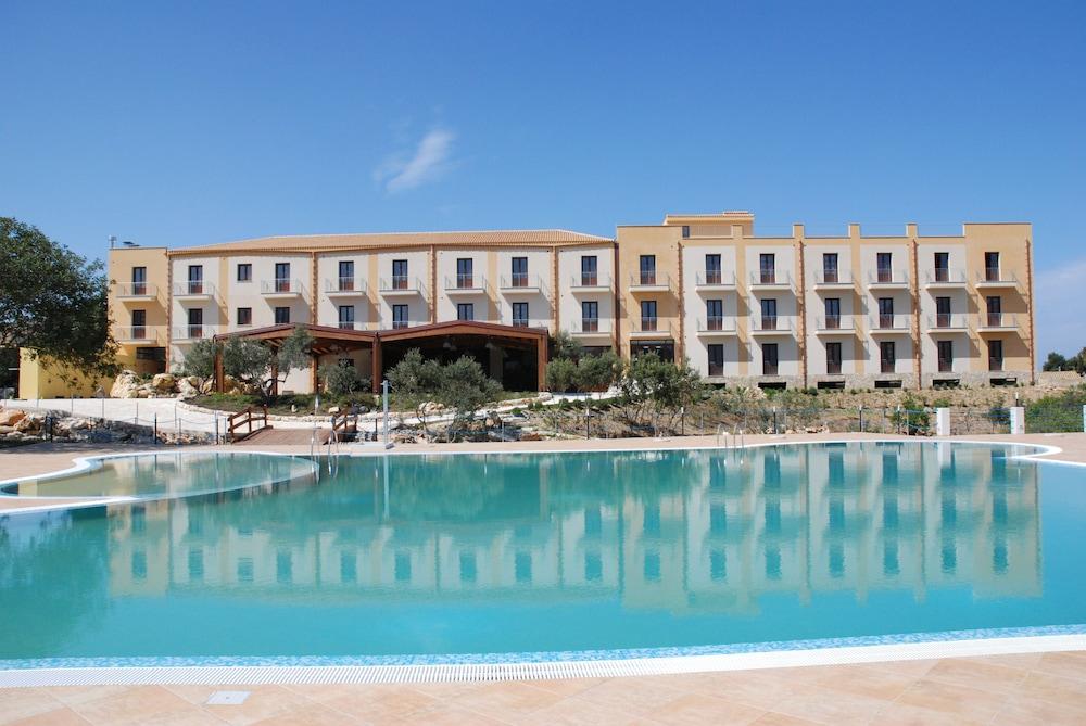 Villa Zina Park Hotel in Custonaci | Hotel Rates & Reviews on Orbitz