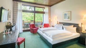 Minibar, Zimmersafe, individuell eingerichtet, Verdunkelungsvorhänge