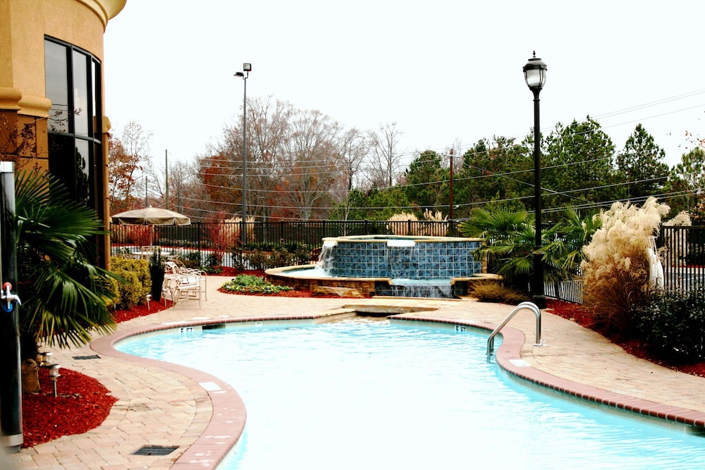 Pool, Hampton Inn & Suites Atlanta Six Flags