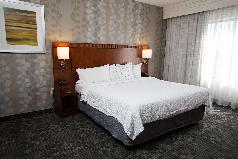 Room, Courtyard by Marriott Winchester
