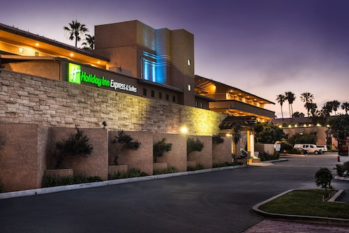 Holiday Inn Express Hotel & Suites Ventura