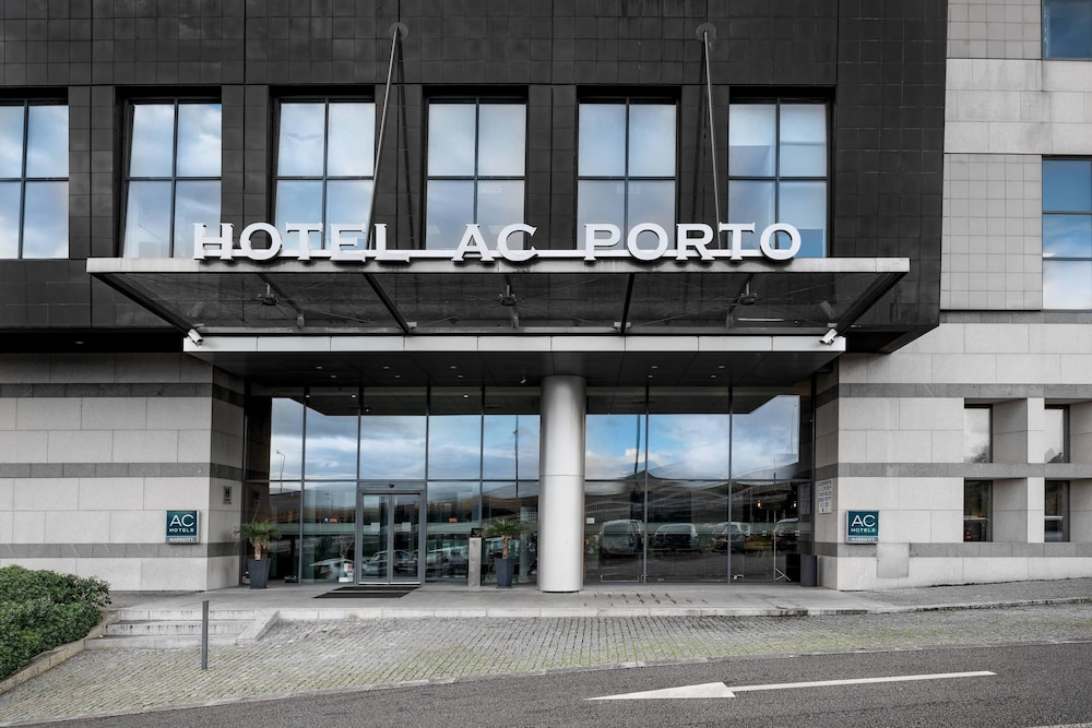 Rooftop terrace, AC Hotel Porto by Marriott