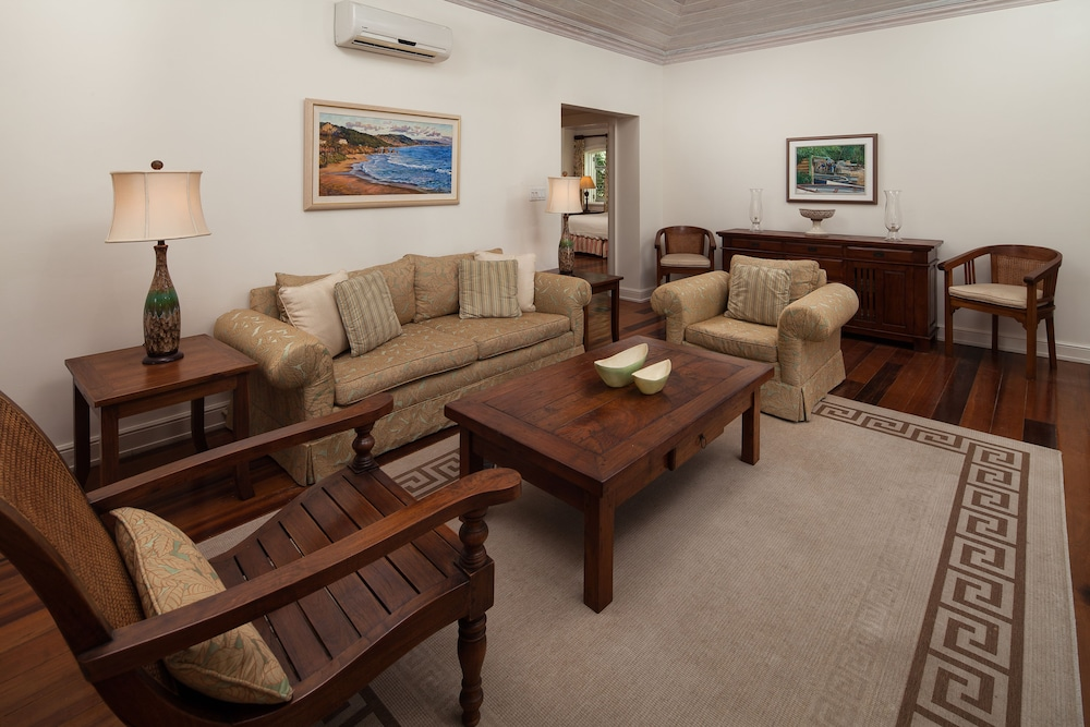 Living Area, Little Good Harbour