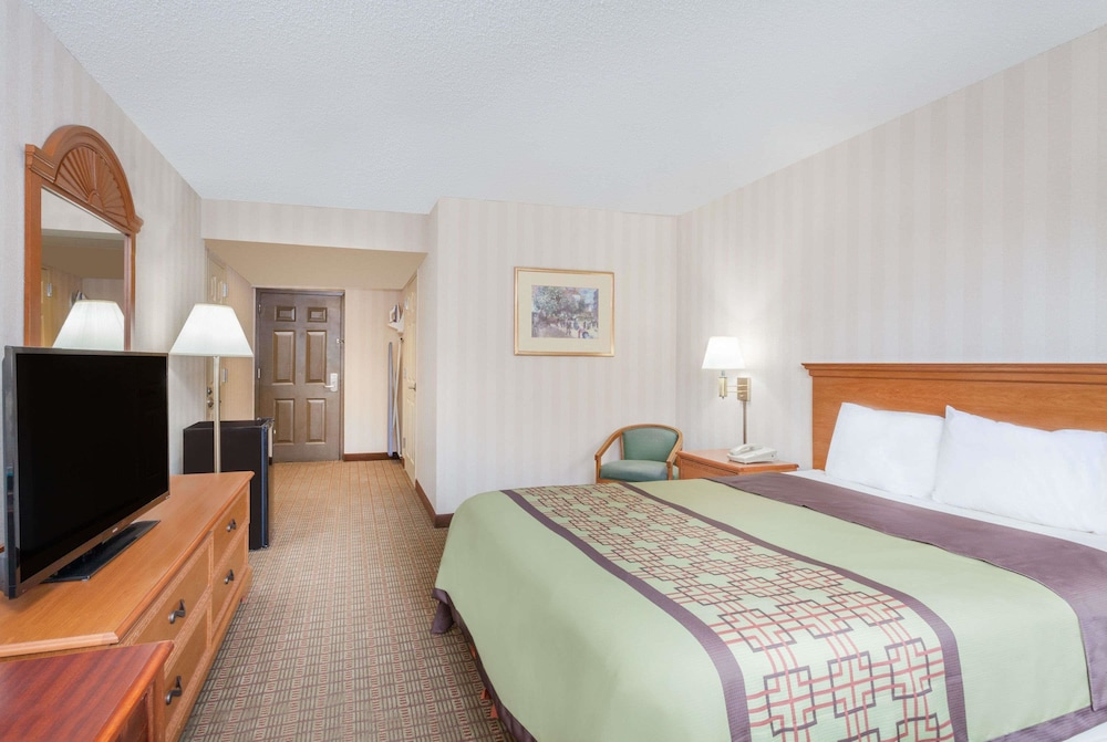Room, Days Inn by Wyndham Albany SUNY