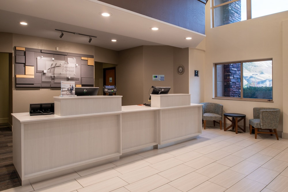 Lobby, Holiday Inn Express & Suites Gunnison