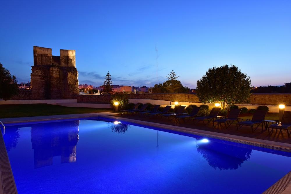 Piscine en plein air pousada convento de tavira - historic hotel