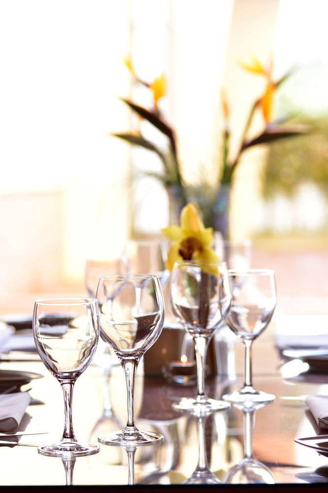 Salle de petit-déjeuner pousada convento de tavira - historic hotel