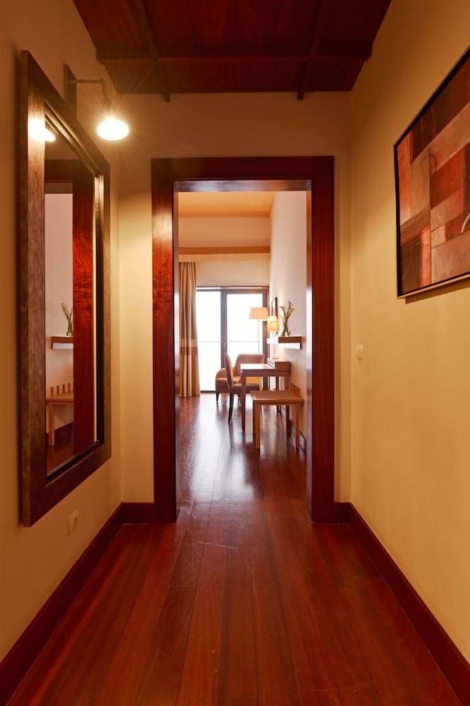 Équipement de la chambre pousada convento de tavira - historic hotel