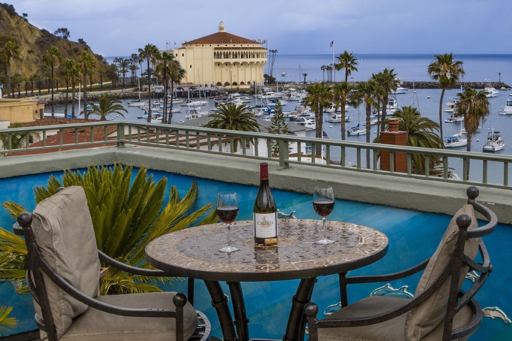 Featured Image, The Avalon Hotel on Catalina Island