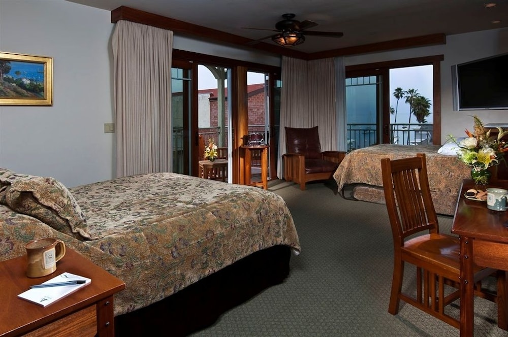 Room, The Avalon Hotel on Catalina Island