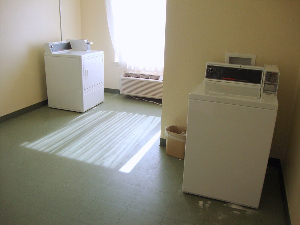 Laundry Room, Motel 6 Biloxi, MS - Ocean Springs
