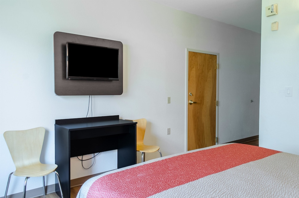 Room, Motel 6 Biloxi, MS - Ocean Springs