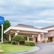 Baymont Inn & Suites Mobile / I-65