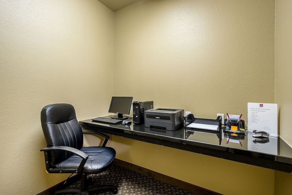 Business Center, Comfort Suites Near Texas State University