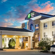 Holiday Inn Express & Suites Bellevue