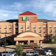 Holiday Inn Express And Suites Springfield Medical District 3 0 Out Of 5