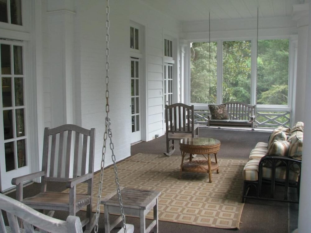 Balcony, The Duke Mansion