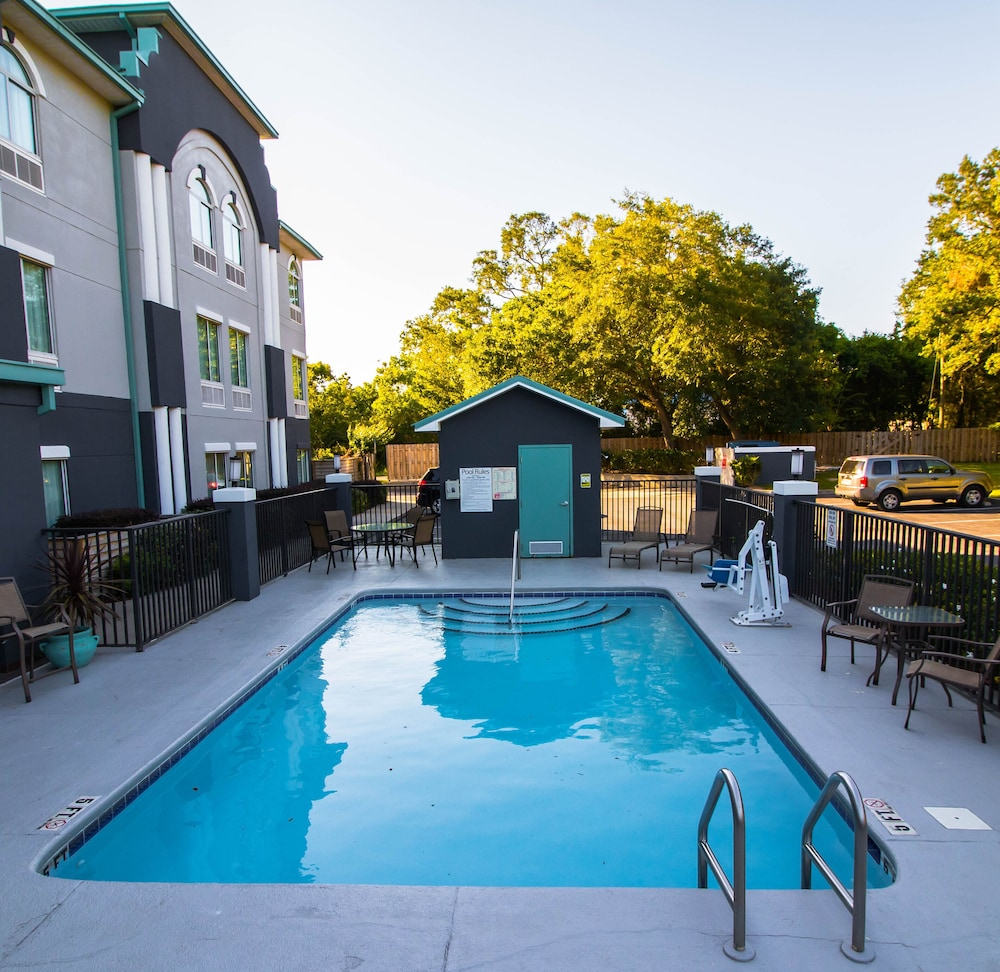Pool, Best Western Plus Blue Angel Inn