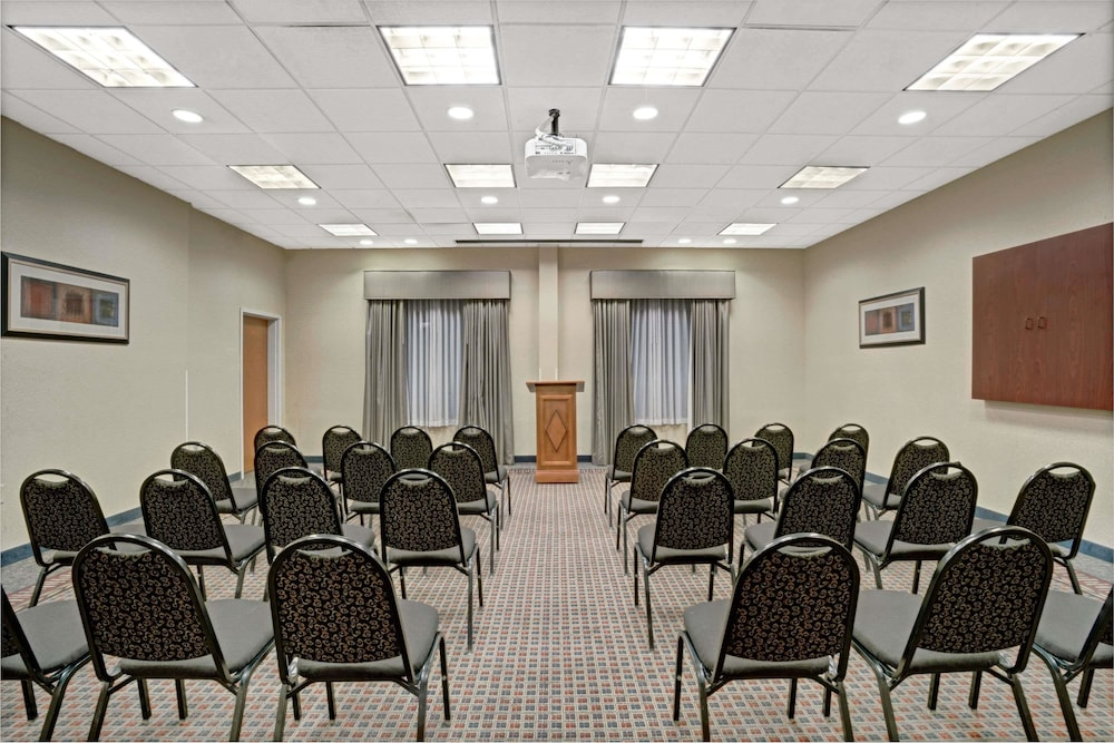 Meeting Facility, Wingate by Wyndham Atlanta Airport Fairburn